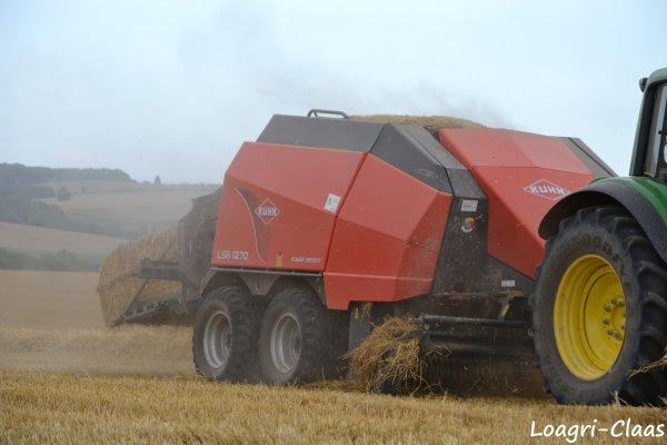 Pressage de la Paille 2012 --> --> John Deere 6930 Prémium