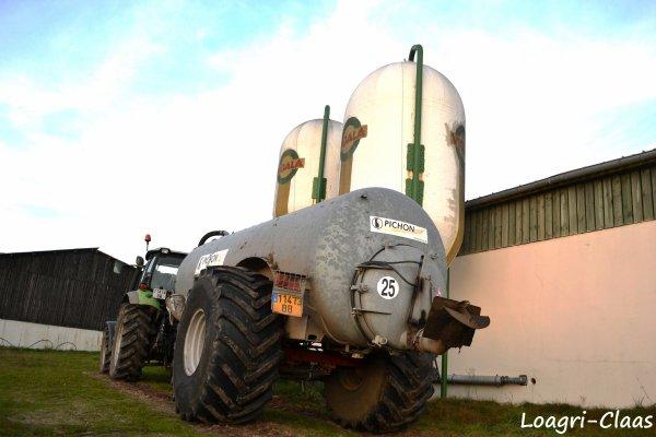 Epandage de Lisier 2012 --> --> Deutz-Fahr AGrotron M600