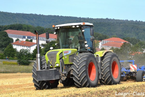 Déchaumage 2012 --> --> Claas Xérion 3800 Trac