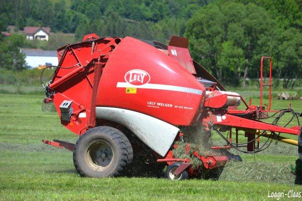 Pressage 2012 --> --> John Deere 6430 Prémium
