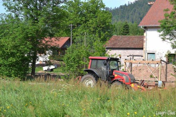 Fauchage 2012 --> --> Valtra N101 & Same SIlver