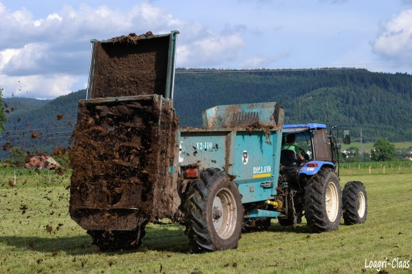 Epandage de Compost 2012 --> --> New-Holland TL90A