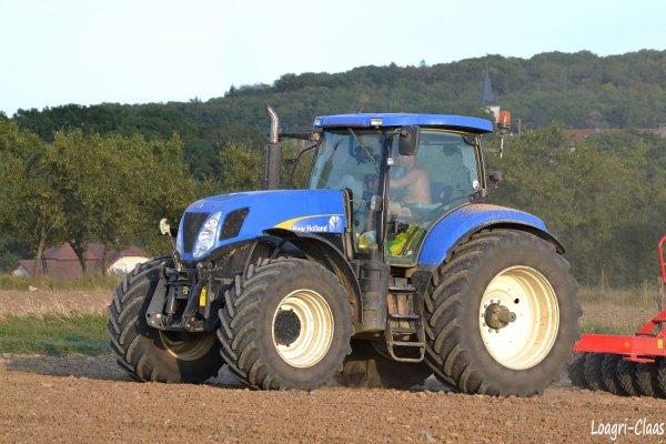 Semis de Colza 2012 --> --> New-Holland T7060