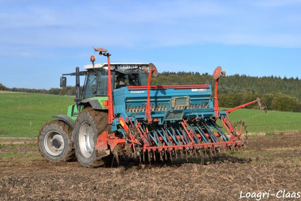 Semis de Triticale 2012 --> --> Deutz-Fahr AgroStar 6.61