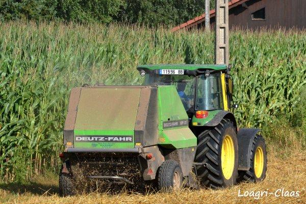 Pressage de la Paille 2012 --> --> John Deere 5090r