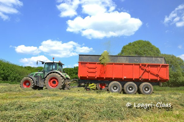 Ensilage d'Herbe 2013 --> --> FENDT 933 Vario BB et Fliegl Gigant ASW 288 !!! [Gaec de la Courbe Sauce & Gaec Bernard ]