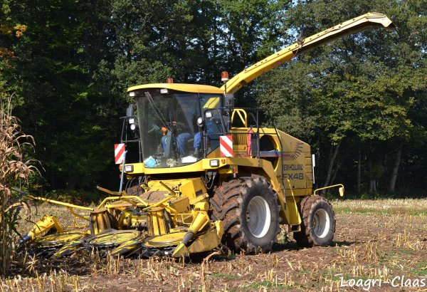 Ensilage de Maïs 2012 --> --> New-Holland Fx 48