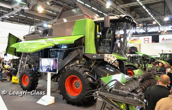 SIMA 2013 --> --> Stand Fendt