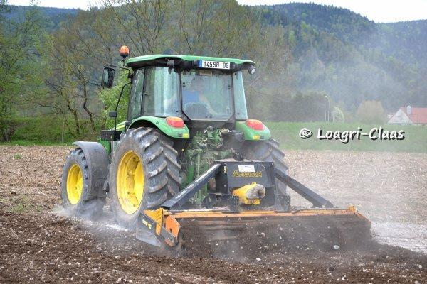 Préparations des Terres 2013 --> --> John Deere 5080r