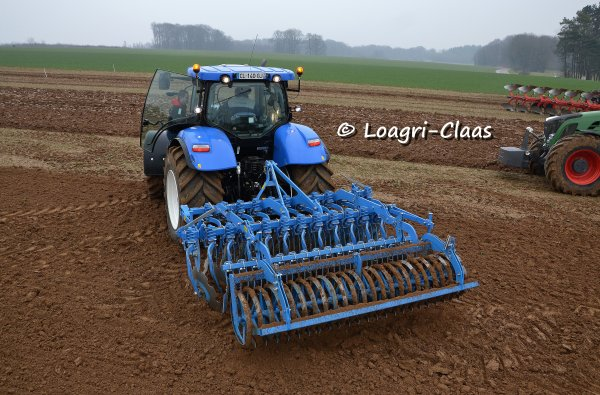 Démonstration de travail du sol / semis --> --> New-Holland T7.210