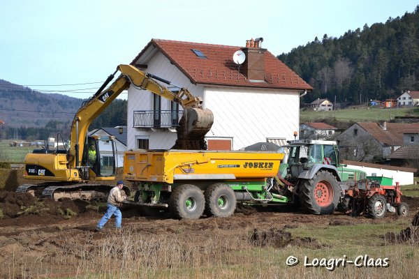 Transport de Terre 2013 --> --> Fendt Favorit 824