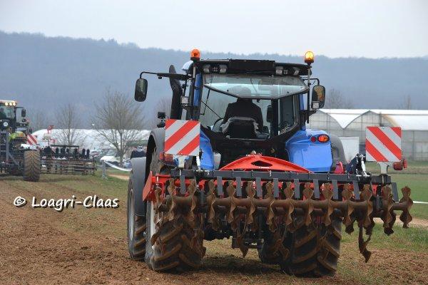 Démonstration de travail du sol / semis --> --> Valtra T 163 & New-Holland T7510