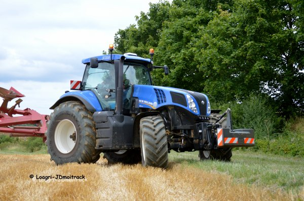 Labour 2014 --> New-Holland T8.330