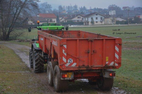 Transport de Fumier - Deutz-Fahr 5110