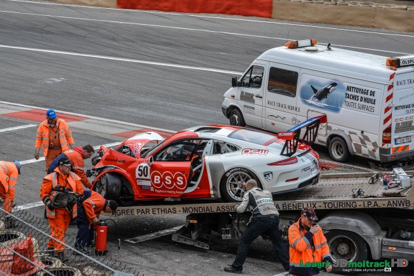 VIDEO DU CRASH à SPA Francorchamps - Course des Porsche CarreraCup - WEC 2015