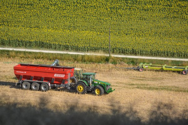 BIG Harvest 2015 | Claas Lexion 780 & V1200 | John Deere 8530 & Interbenne 38 Perard !