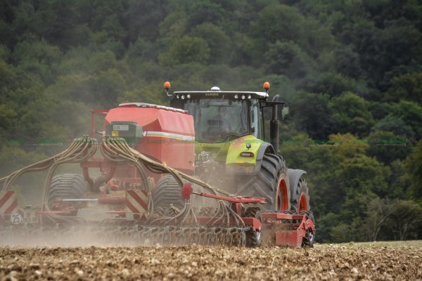Semis 2015 | Claas Axion 950 & Horsch Pronto 6 AS