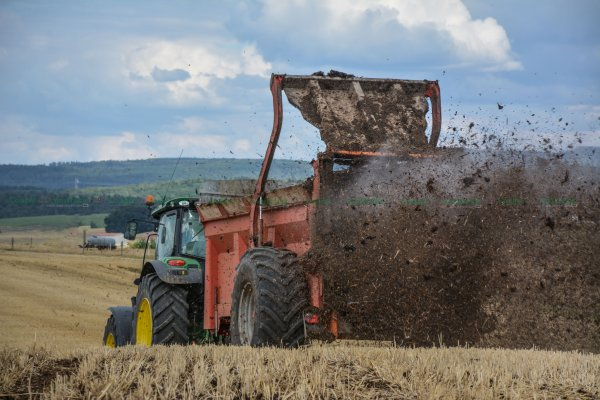 Epandage de Compost 2015 | John Deere 6150R & Miro Heywang | Merlo P34.7
