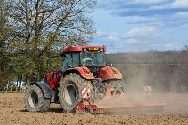 Préparation des Terres | Case IH CVX 195