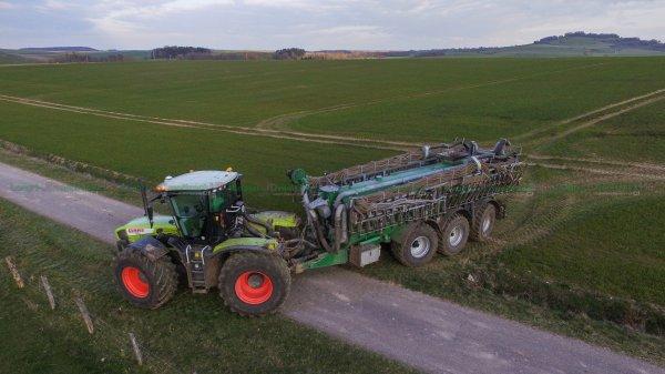 Epandage de Digestat 2016 | Claas Xérion 3800 Trac & Samson PG25 28m | SARL Des Grands Prés