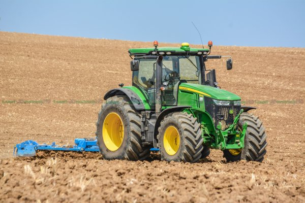 Big John Deere ploughing with big plough lemken in France !