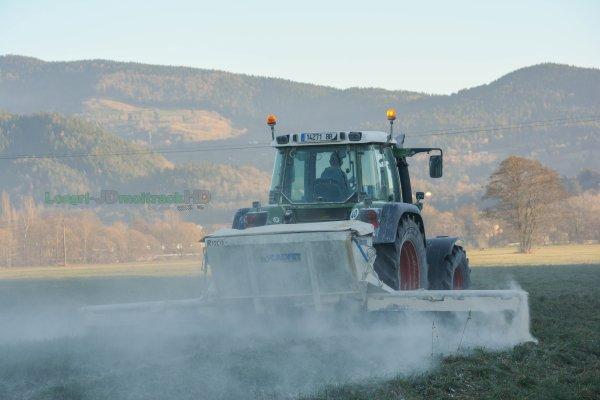 Epandage de Chaux 2016 | Fendt 411 Farmer & Calvet