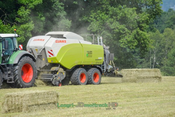 NEW Claas Quadrant 5300 at Work 2017 !