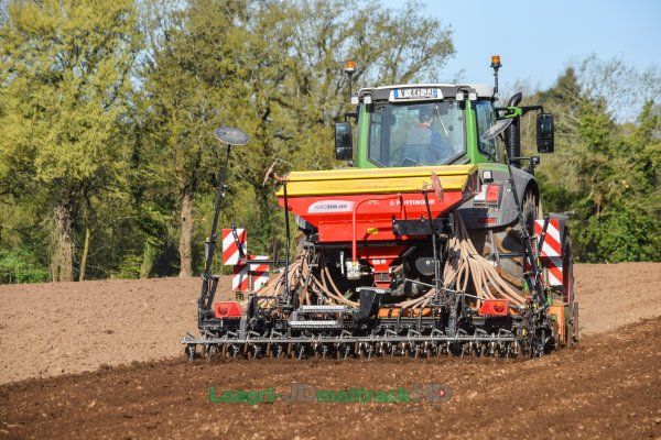 Fendt 826 S4 Nature Green at Seeding 2018 in France !