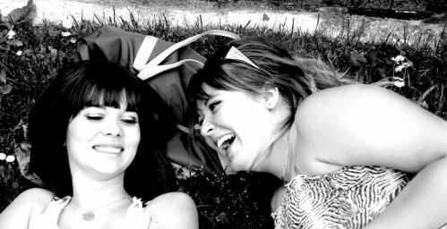 Une Meilleure-Amie,  la personne la plus précieuse dans une vie .