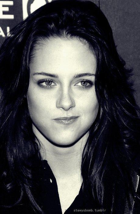Hey Kristen a été elu Actrice de l'année !! ET elle le merite