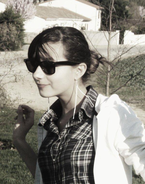 Mlle Anaïs -->   » Dans la vie y a ceux qui te disent qu'ils t'aime et ce qui te le prouvent au quotidien !♥♥ »