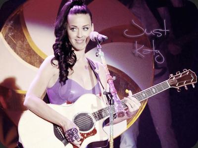 Le 8 novembre Katy était à N-Y ou elle a performé plusieurs chansons pour le lancement de Windows phone.  Performances & candids