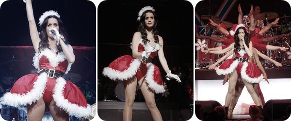"""11/12/10; Katy pose avec un fan & performe au """"  Y100 Jingle Ball 2010 """" en Floride.Cliquez sur les images pour voir plus de photos ;)"""