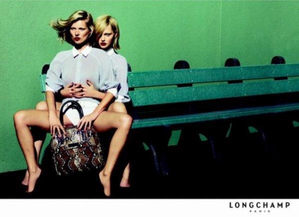Kate et Sasha pour LONGCHAMP.
