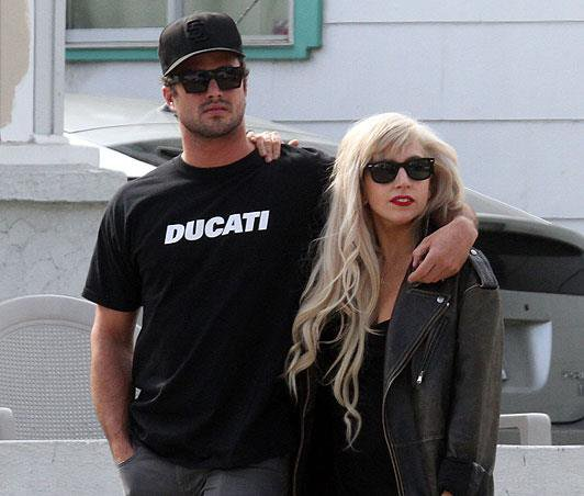 Le couple : Gaga & Taylor