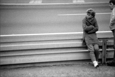 J'ai toujours préféré la folie des passions à la sagesse de l'indifférence. Anatole France.