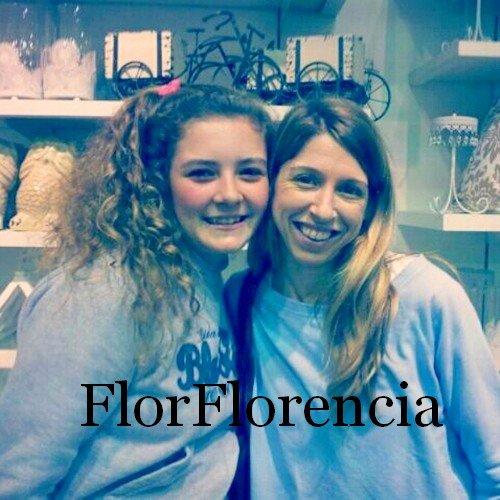 Flor pose avec des fane