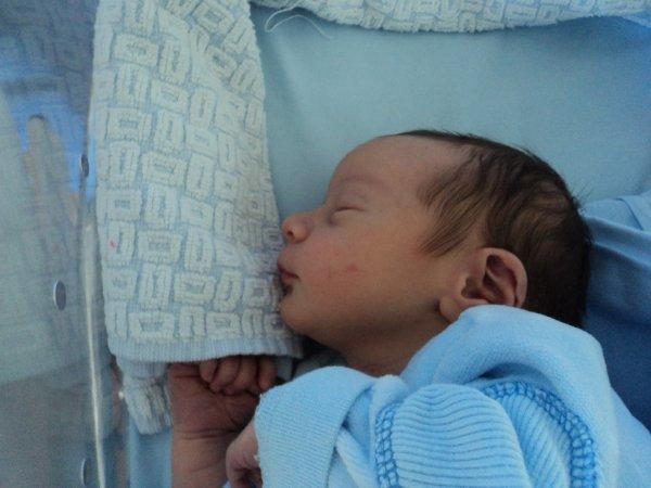 Luan....né le 16 juillet 2011, à 03h11   54cm et 3kg750
