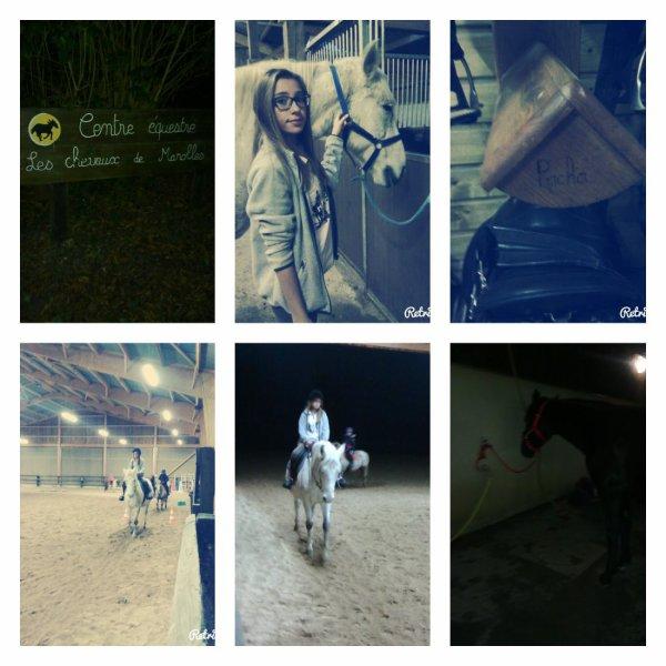 Ma fille Julie fait du cheval et elle est contente ♥