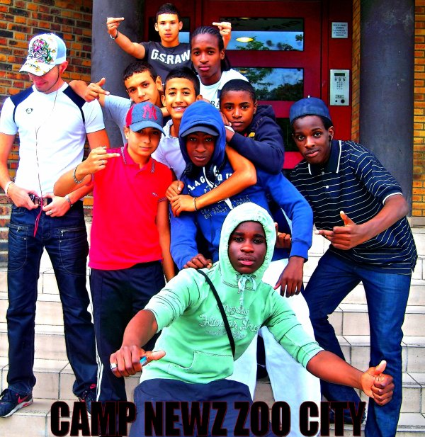 Camp New'z Zoo Toujours Au Max  !
