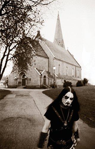 black metal, style de metal extreme, groupe phare: gorgoroth, immortal, dimmu borgir, et plein d'autres