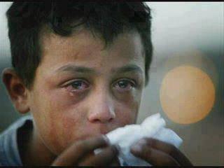 L'orphelin pleure,l'orphelin pleur! Il pleur parcequ'il N'a pas de pére ni de mére   Ne pleure pas l'orphelin Tout cela aura une fin Ne pleure pas!     Que Dieu vous garde dans Sa main.