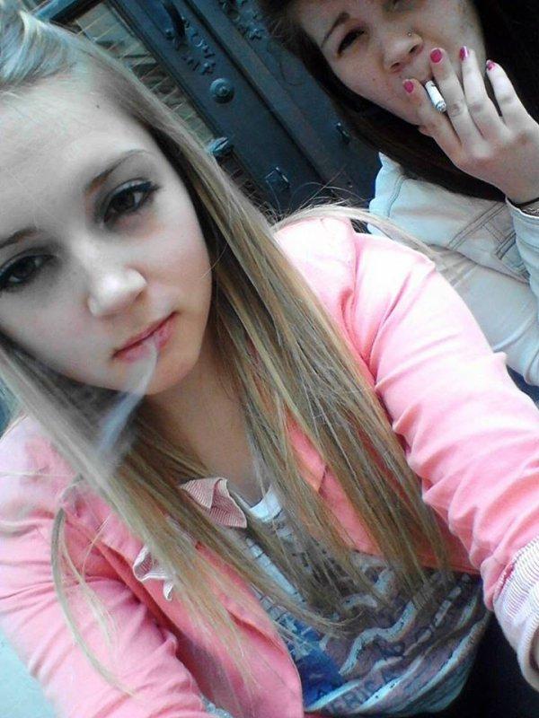 Fume la vie avant qu'elle te fume baby.