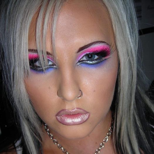 Maquillage que jai fait a une copine !! <3