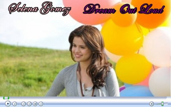 le 21/04/2011 - Selena Gomez : Photoshoot de Dream Out Loud, sa marque !