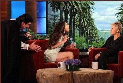 28/09/2012  elle a assisté à l'émission « The Ellen DeGeneres Show »