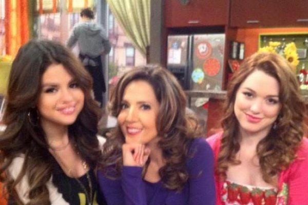Nouvelle photos de Selena sur le tournage des sorciers  de waverly place .