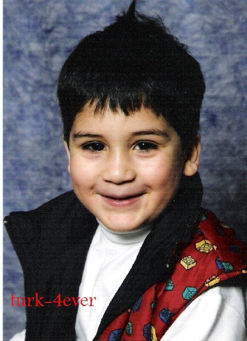 Amir quand il étais enfant trop mimi