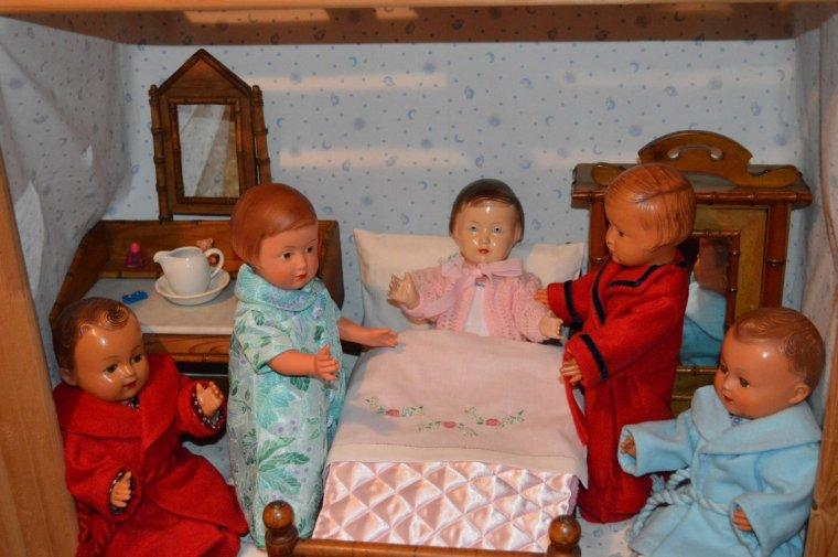 en écho à  GENE  !!!  les petits ont décidé de rester en robe de chambre !!!!
