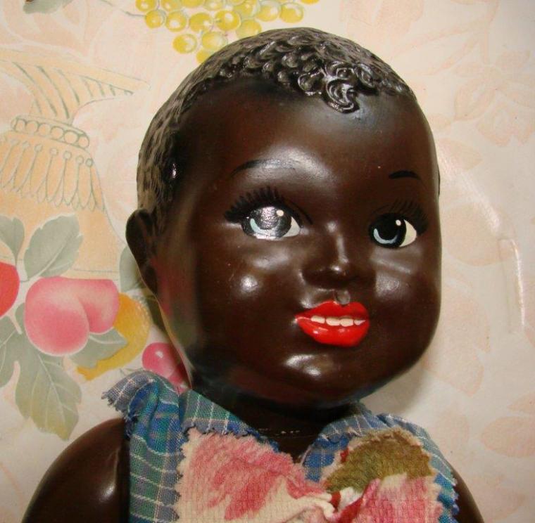 La première maman de Bobette recherche le nom ou la marque de ce bébé !!
